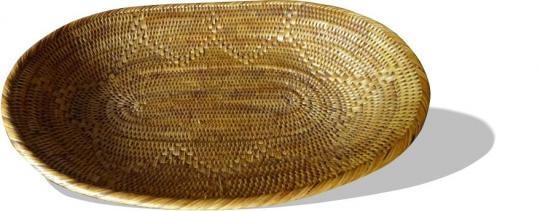 Brotkorb oval mit eingearbeitetem Muster