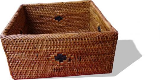 Quadratische Krimskramsbox mit schwarzem Muster