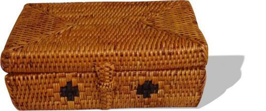 Viereckige kleine Schmuckbox mit Deckel und eingewebtem schwarzen Muster