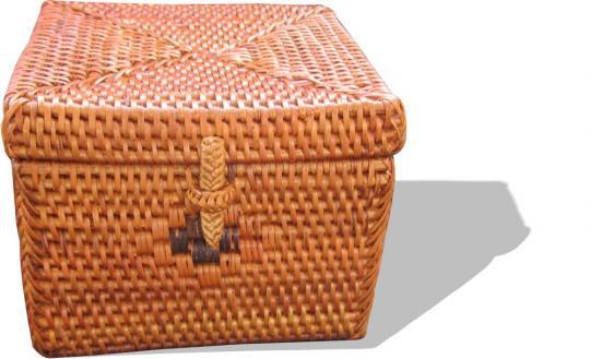 Quadratische Schmuckbox mit eingewebtem schwarzen Muster